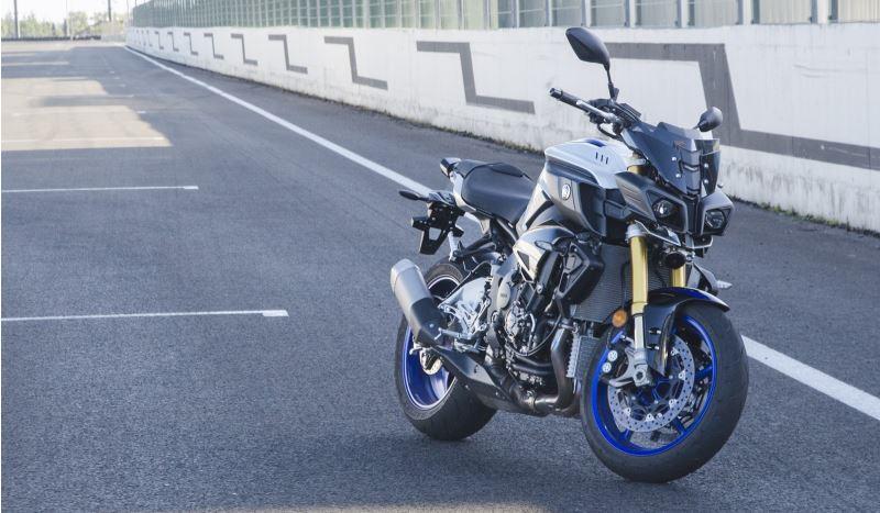 Nueva naked Yamaha MT-10 derivada de la YZF-R1 - Motor y Racing